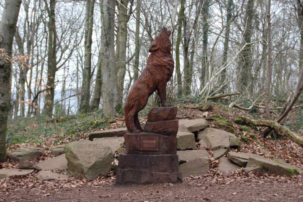 Wooden sculpture of wolf